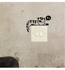 Sticker chaton qui dort étendu