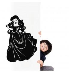 Sticker Jeune fille au robe longue