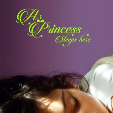 Sticker A princess sleeps here - dola & stickers muraux - fanastick.com