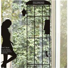 Sticker Femme & cabine téléphonique
