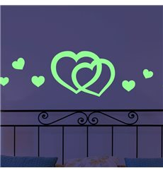 Sticker phosphorescent avec deux coeurs