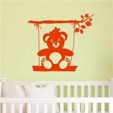 Sticker Nounours sur une balançoire - stickers chambre bébé & stickers enfant - fanastick.com